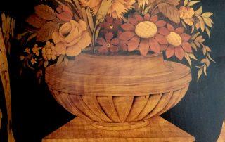 Mobili Antichi con Decorazioni floreali