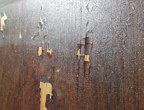 restauro del finto legno